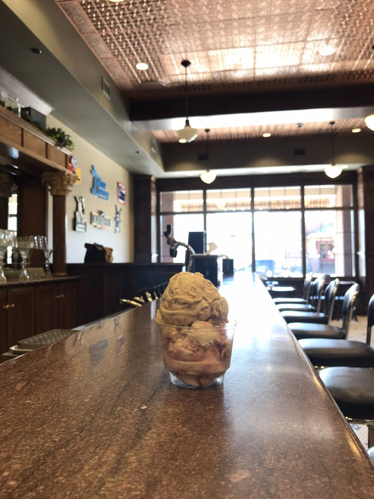 Wells Visitor Center & Ice Cream Parlor: 115 Central Ave NW, Le Mars, IA
