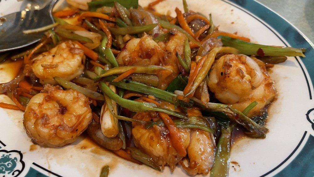 Shanghai Chinese Restaurant: 33 NE Carefree Ln, Waukee, IA