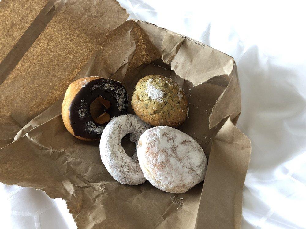 Aurora Donuts