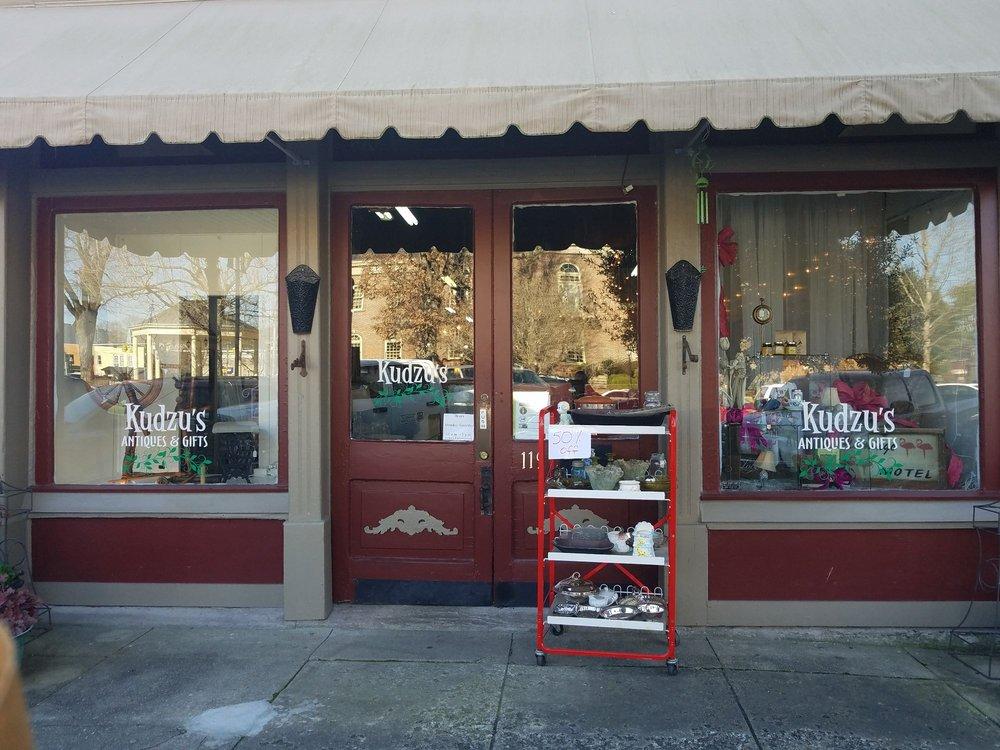 Kudzu's Antiques and Gift Shop: 119 Market St E, Fayetteville, TN