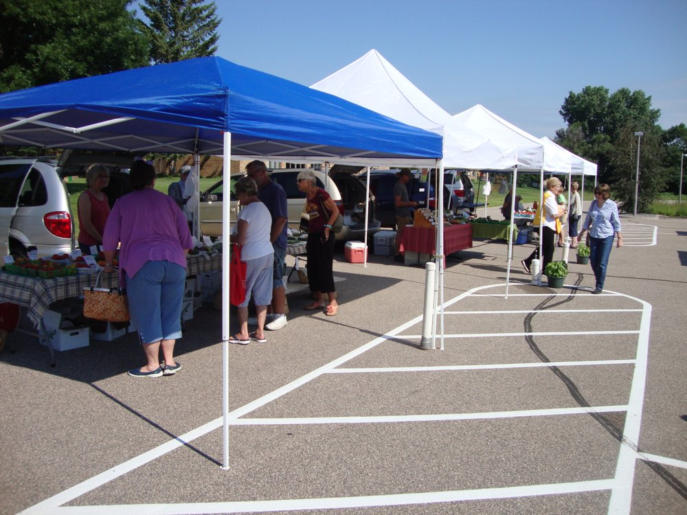 Blaine Outdoor Farmer's Market: 707 89th Ave NE, Blaine, MN
