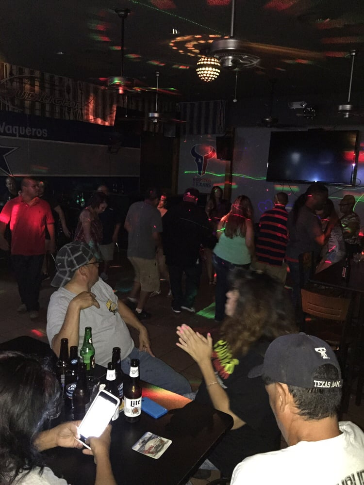 Mc Sports Bar: 4025 N 1st St, Abilene, TX