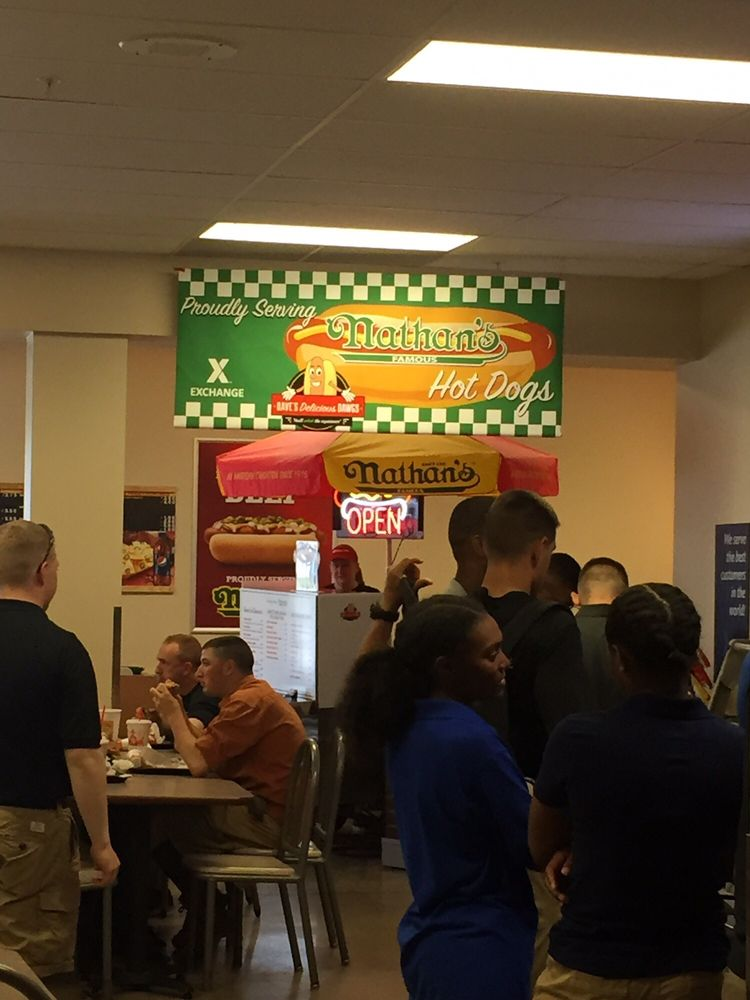 Dave's Delicious Dawgs: 127 Gold Vault Rd, Fort Knox, KY