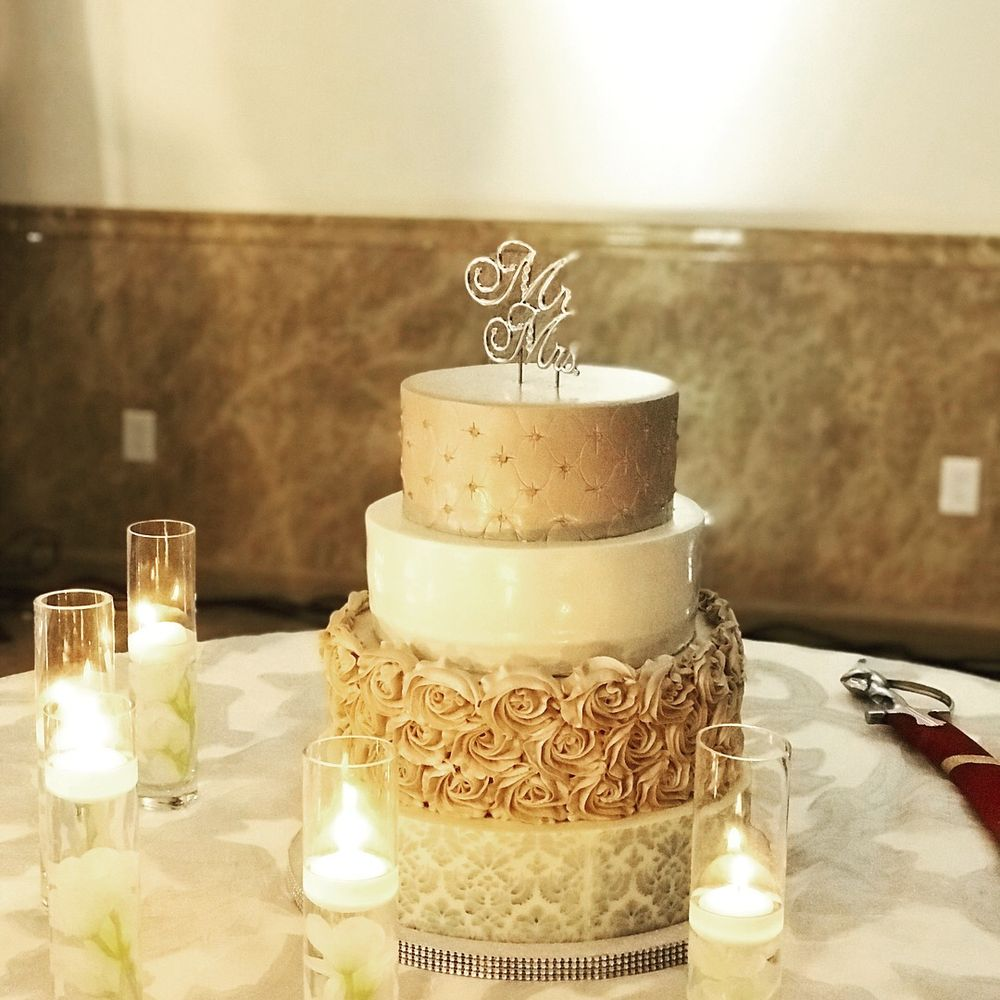 Best wedding cakes Houston is the top searched item for every couple ...