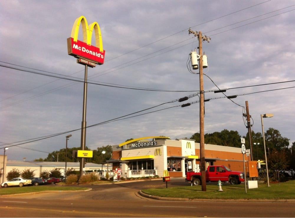 McDonald's: 130 Hwy 12 W, Kosciusko, MS