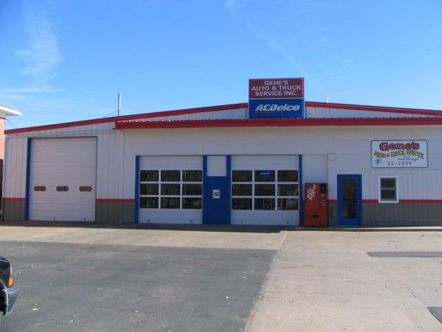 Gene's Auto & Truck Service: 245 S Washington St, Papillion, NE