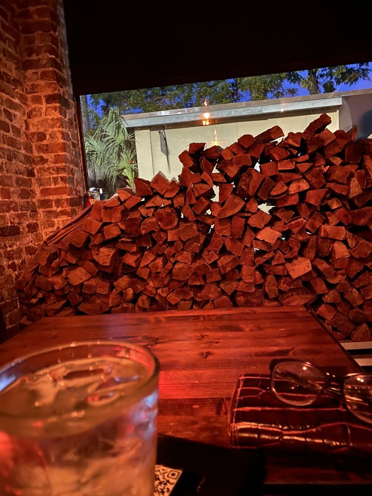 Old Bull Tavern: 205 W St, Beaufort, SC