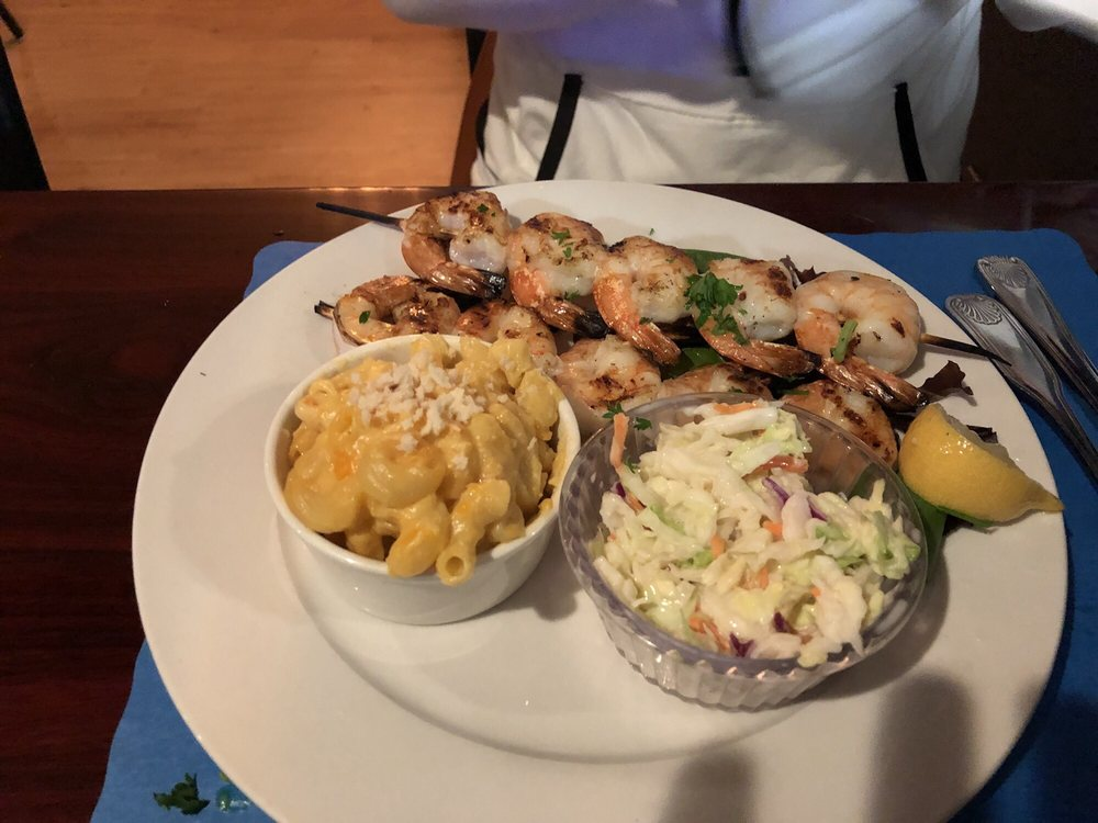 Catch 1251 Seafood & Grill: 1251 River Rd, Agawam, MA
