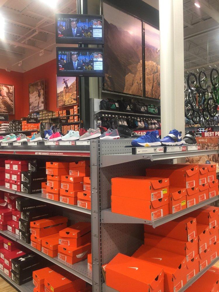 Photo of DICK'S Sporting Goods: Danbury, CT