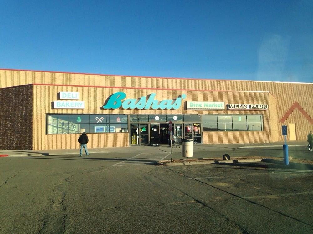 Bashas' Supermarket: Hwy 160 & Hwy 264, Tuba City, AZ