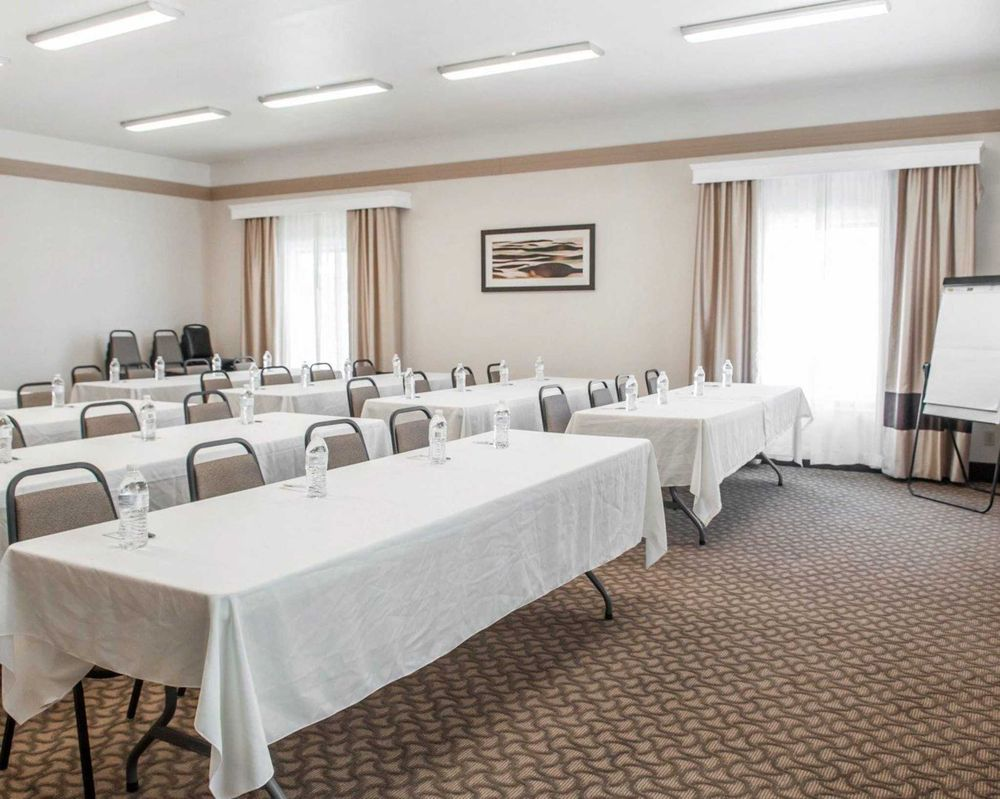 Comfort Inn & Suites: 6301 US HWY 160, Alamosa, CO