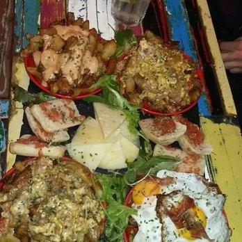 El chivito 11 avis bars tapas 15 rue des blanchers for Chivito toulouse