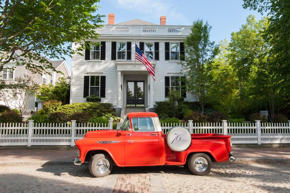 76 Main: 76 Main St, Nantucket, MA