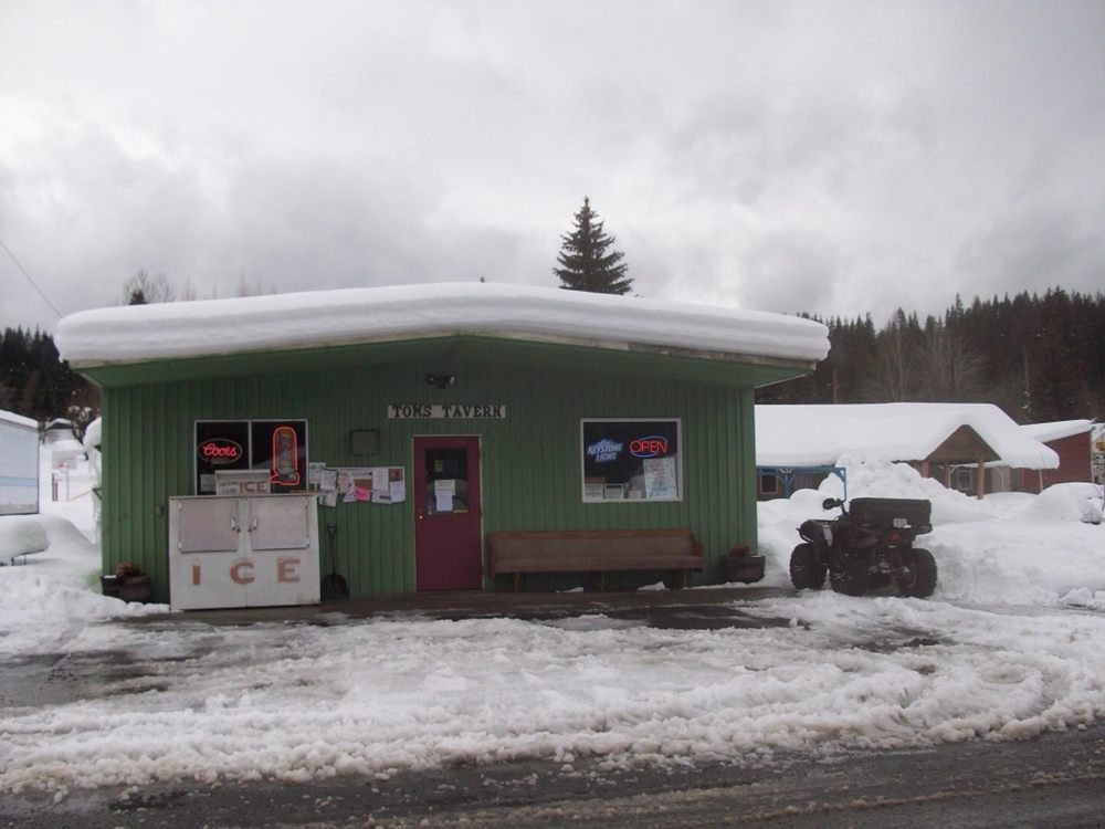 Tom's Tavern: 106 S 1st St, Elk River, ID