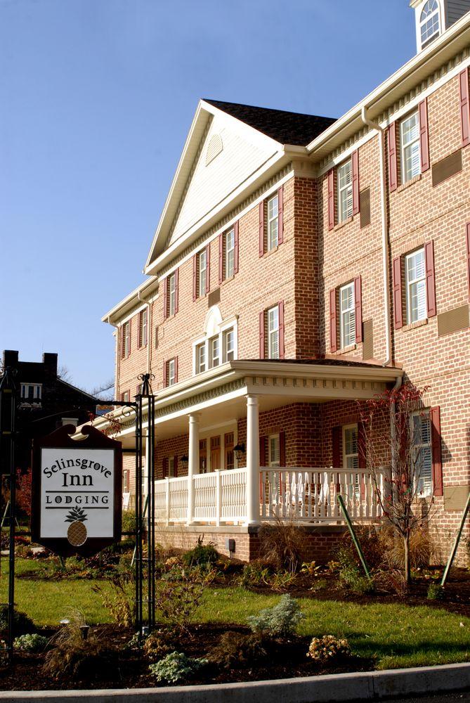 Selinsgrove Inn: 214 N Market St, Selinsgrove, PA