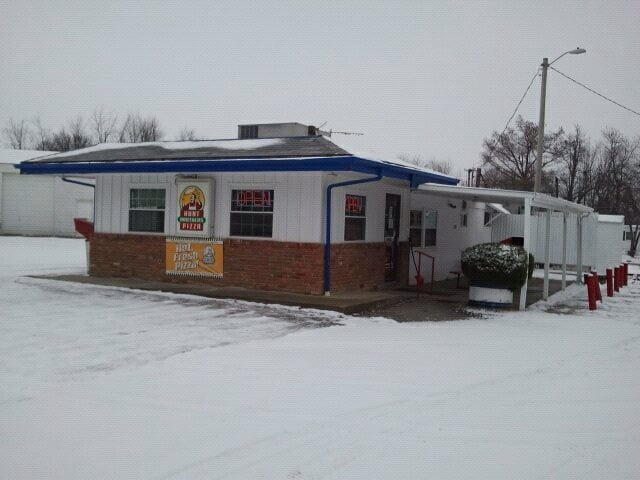 Dairy Mart: 610 W Hudson St, Wellsville, MO