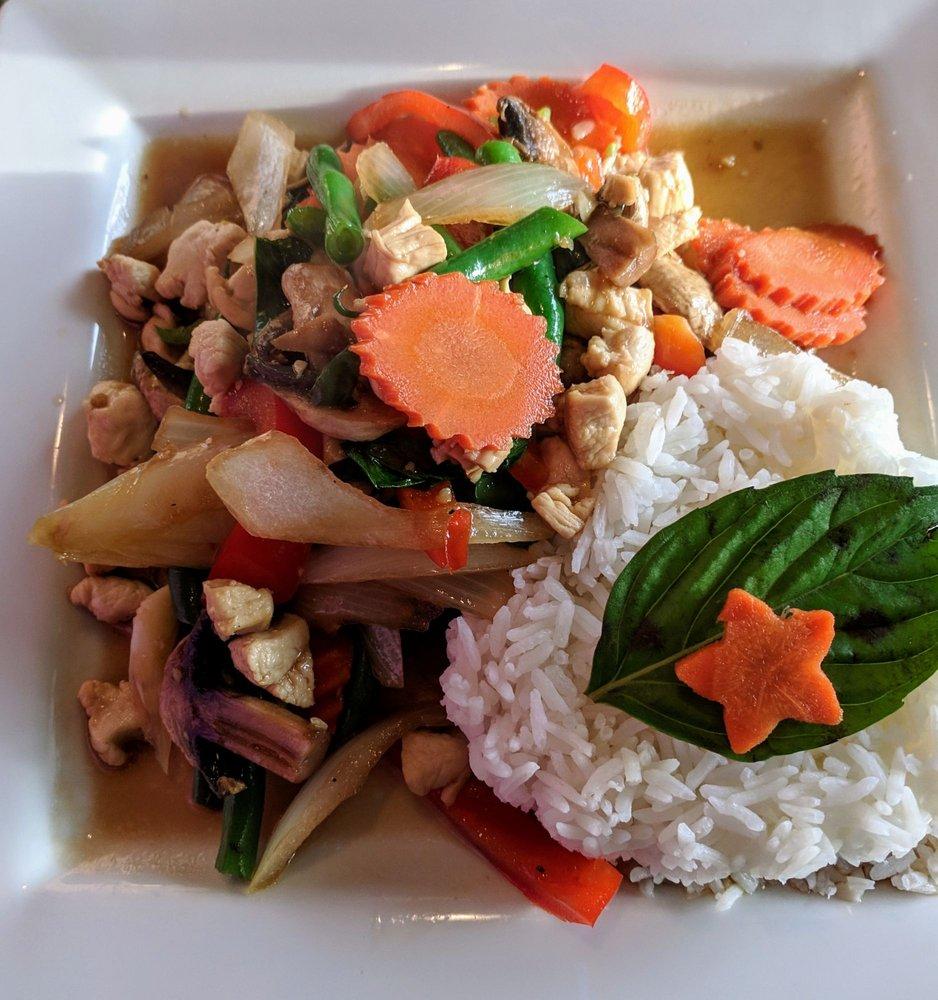 Julie's Thai Kitchen: 138 E Main St, Lyons, CO