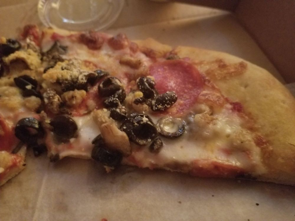 Pie-O-Neer pizza: 620 John Paul Jones Cir, Portsmouth, VA