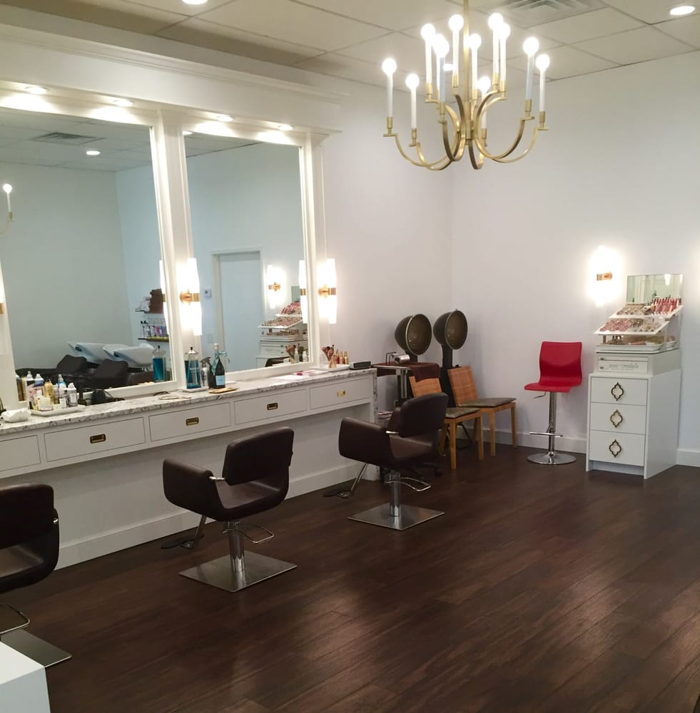 Look boutique salon hair salons 3020 stony point rd for A creative touch beauty salon