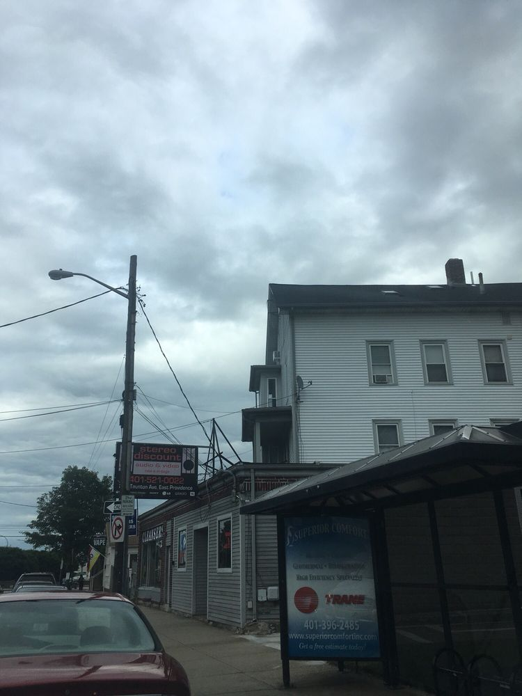 Stereo Discount Audio and Video: 279 Taunton Ave, East Providence, RI