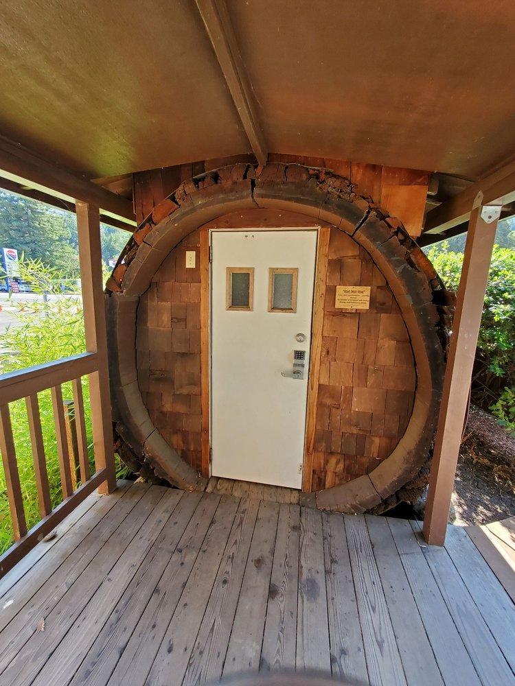 One Log House: 705 N Hwy 101, Garberville, CA