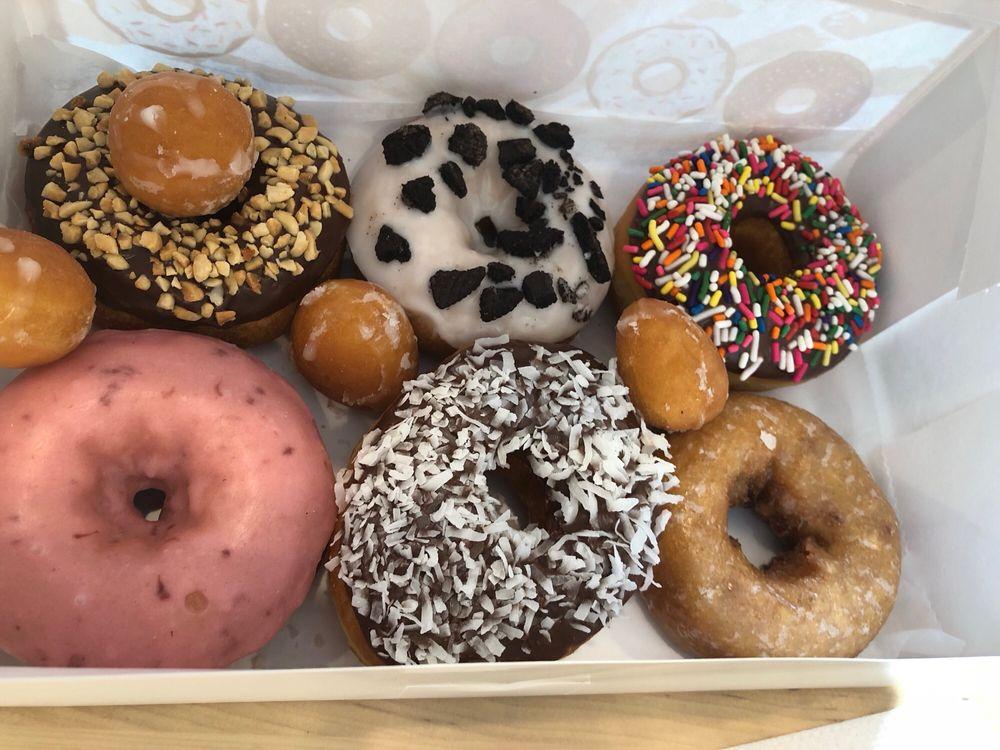 Donut King: 5 Broad St, Norwood, NJ