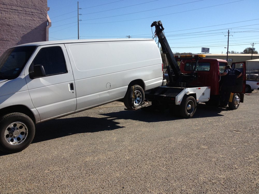 Magnolia Auto Repair and Towing: 107 20th Ave S, Meridian, MS