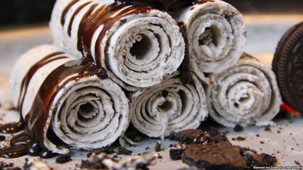 The Roll Ice Cream: 2166 Brea Mall, Brea, CA