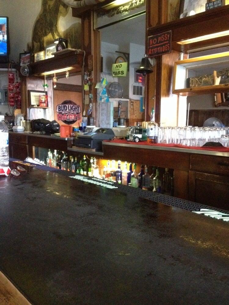 Longhorn Saloon: 925 W Broadway, Lovelock, NV
