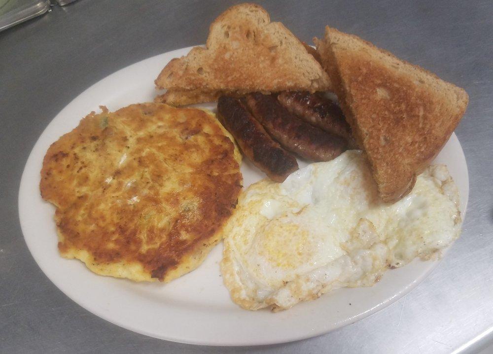 Bull Creek Cafe: 16946 Sd Highway 34, Union Center, SD