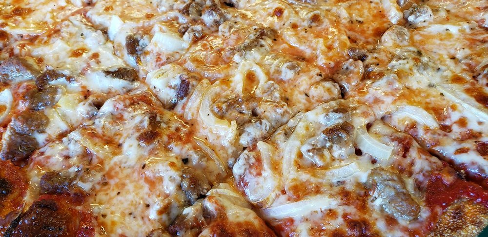 Tomaselli's Pizzeria: 24099 Front St, Grand Rapids, OH