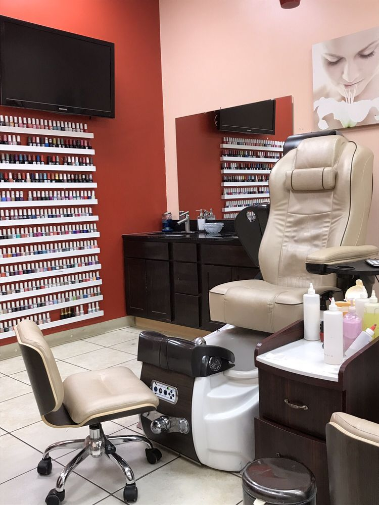 Elite Nails & Spa: 2211 E Beltline Ave NE, Grand Rapids, MI