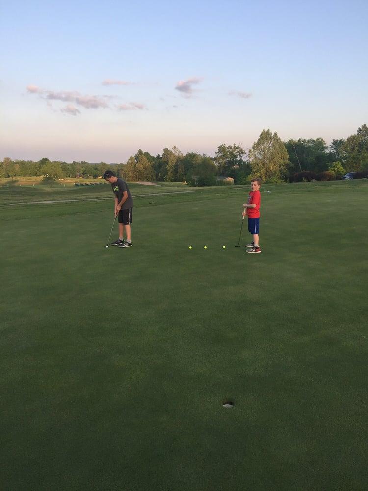 Deer Lakes Golf Course: 140 Deer Lake Ln, Salem, KY