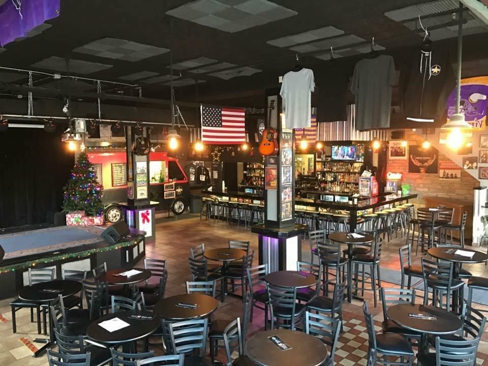 Ziggys Restaurant & Live Music: 132 Main St S, Stillwater, MN