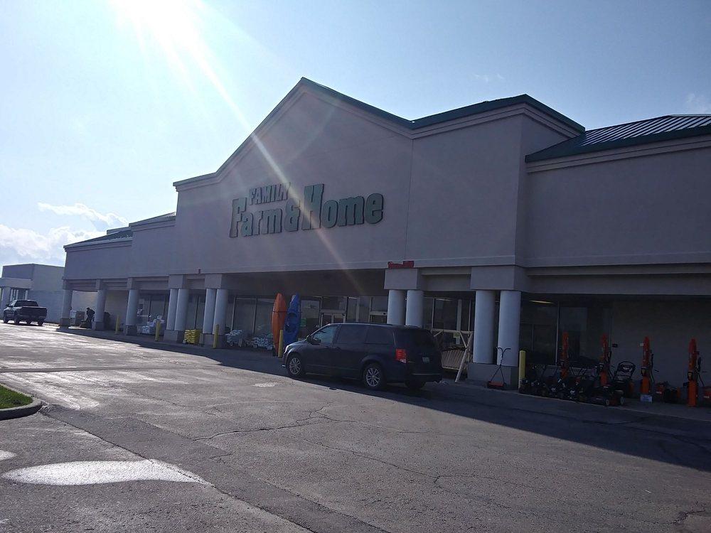 Family Farm and Home: 605 S Sandusky Rd, Sandusky, MI