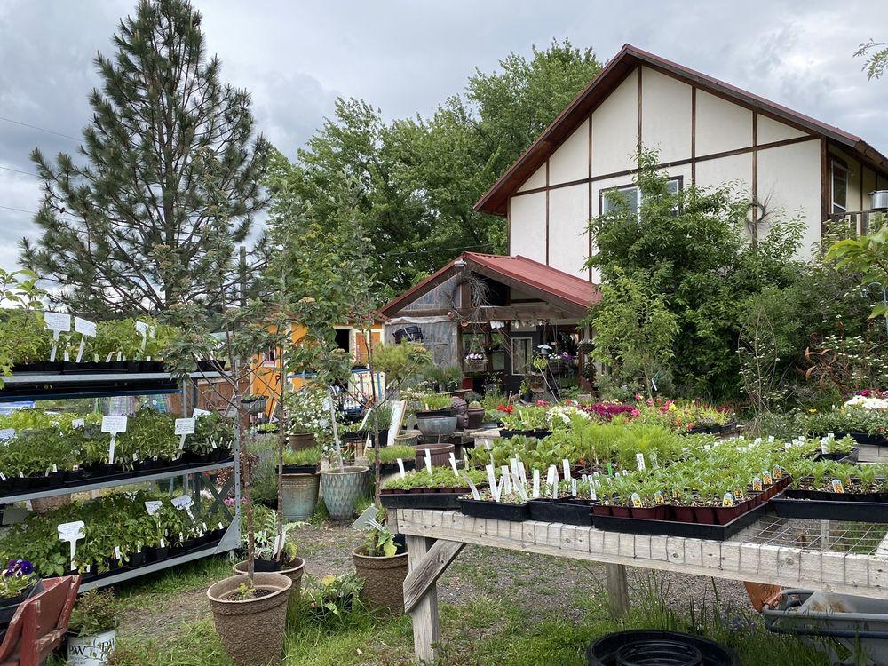 Fiddler's Ridge Garden & Nature Store: 1001 Fiddlers Ridge Lp, Potlatch, ID