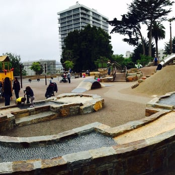 Lafayette Park Dog Play Area