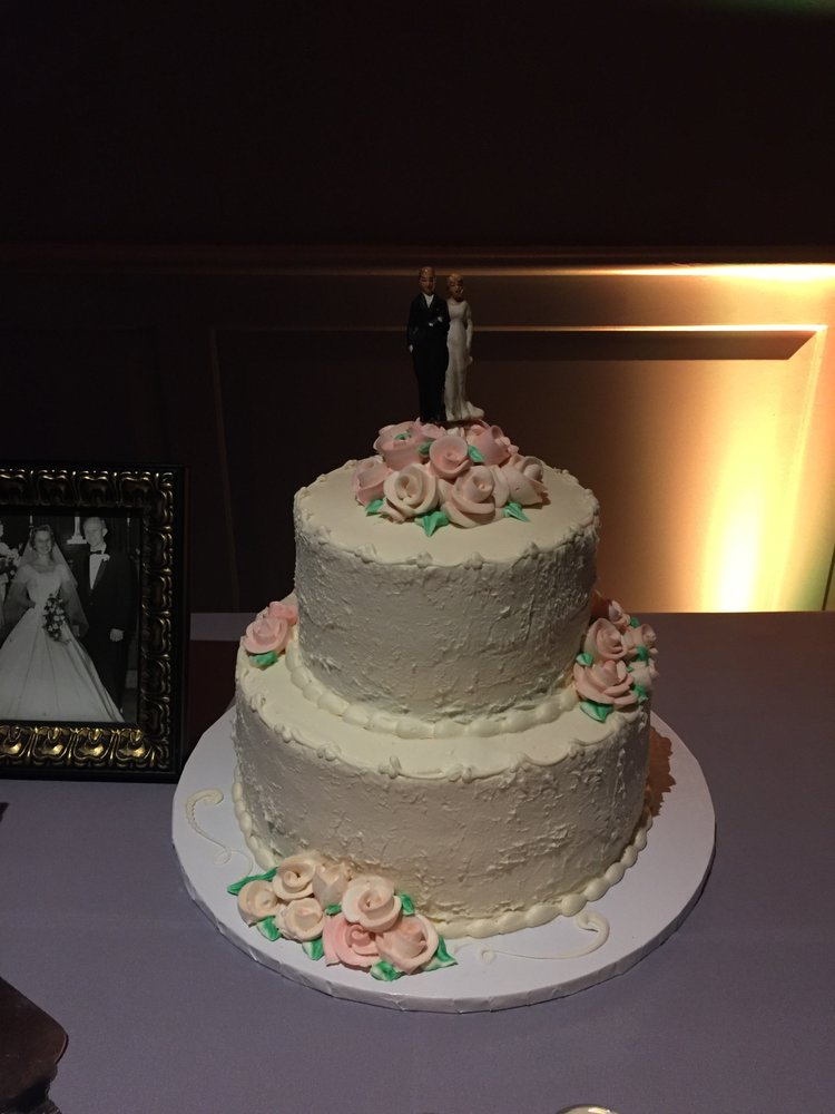 wedding cake roma 2 layer wedding cake with vintage topper from s 23698