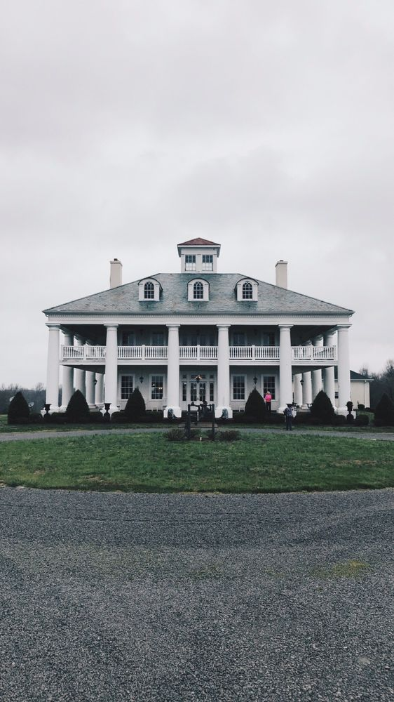 Country Plantation House: 1880 State Rt 600, Greenville, KY