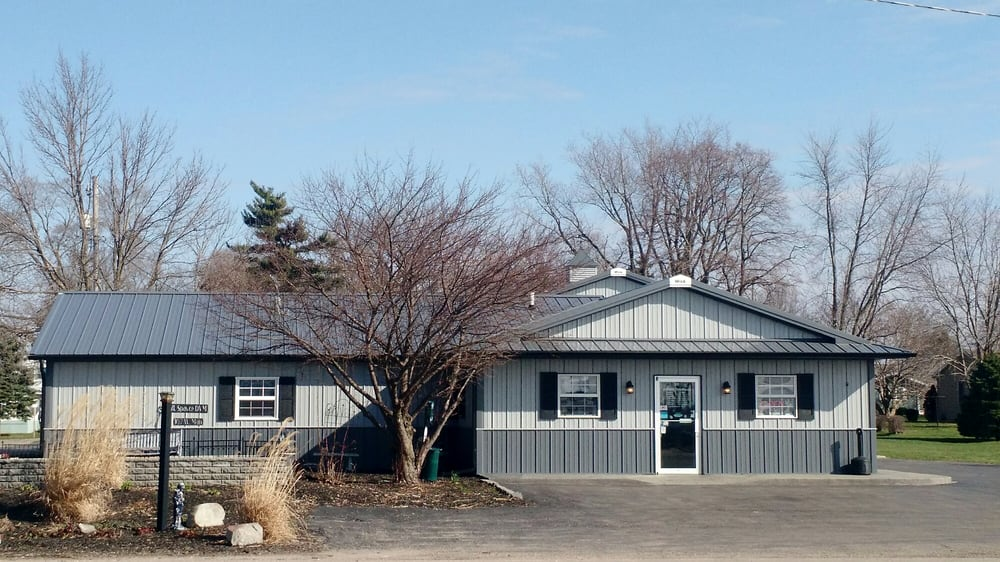 CrossRoads Veterinary Hospital: 107 W Main St, Mc Nabb, IL