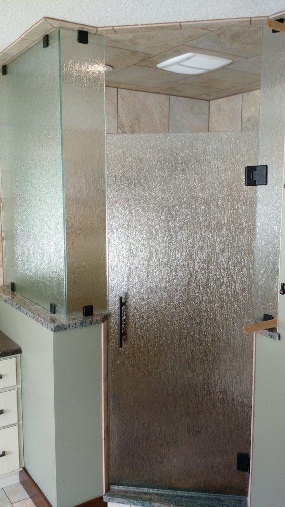 Shoreline Glass & Shower Door: 4374 F-41, Oscoda, MI
