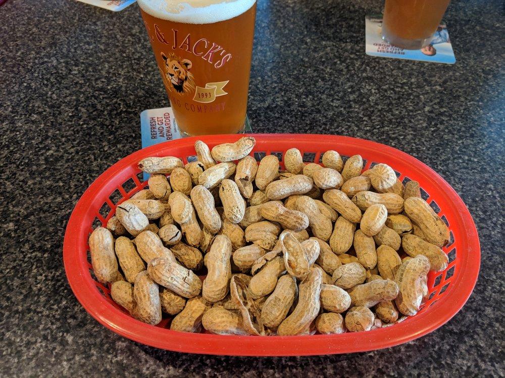 Hawkeye's Pub & Grill: 1002 Vernon Rd, Lake Stevens, WA