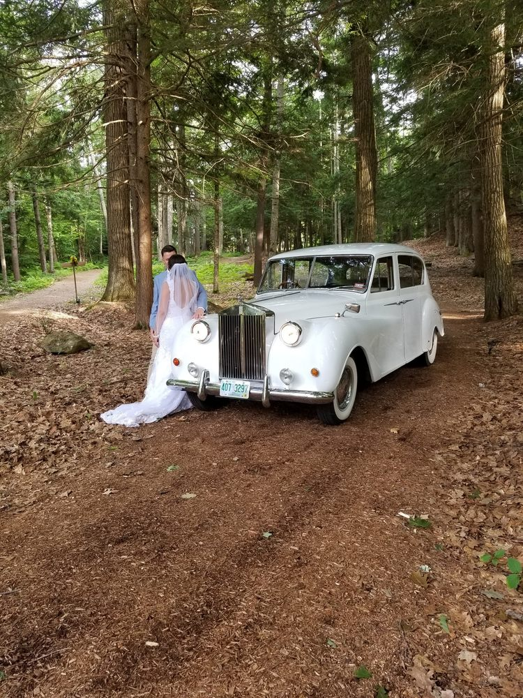 Adventure Limousine & Transportation: 63 Emerald St, Keene, NH