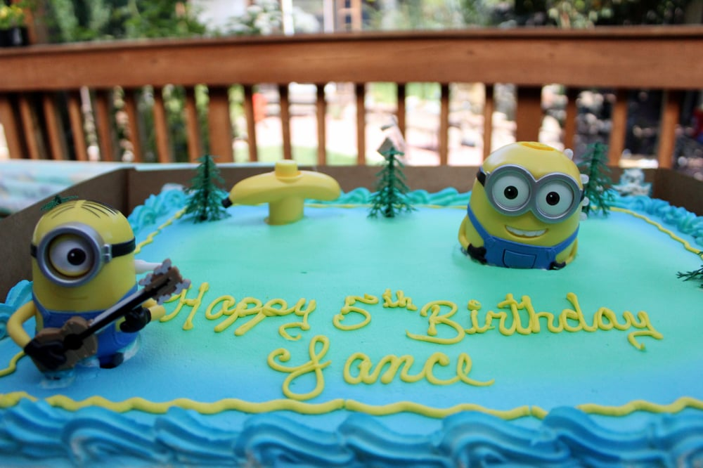 HalfSheet Minion Birthday Cake Yelp