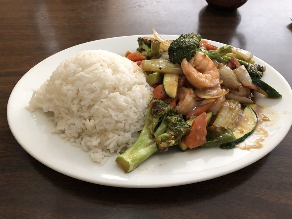 Gee's Hunan Chinese Restaurant: 27 N F St, Lakeview, OR