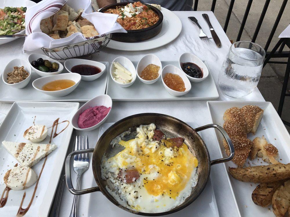 Pera Turkish Kitchen Bar 77 Photos 52 Reviews Turkish 2833 N Broadway St Lakeview