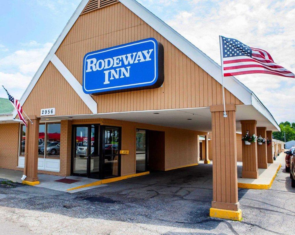 Rodeway Inn: 2956 Milwaukee Rd, Beloit, WI