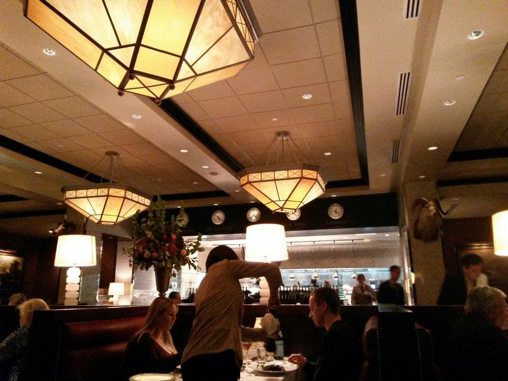 Classic Steak House Feel That 39 S The Kitchen In The Background Love The Dim Lighting Very