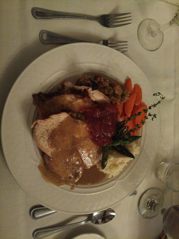 Echo Lake Restaurant: 2 Dublin Rd, Plymouth, VT