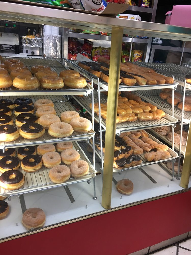 Donut Avenue: 583 Pine Ave, Holtville, CA